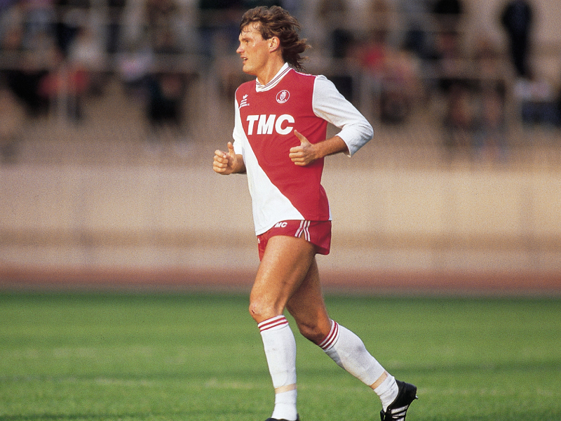 Amazing Footage Of Hoddle At Monaco Will Be Highlight Of Your Lunch Break Tottenhamblog Com